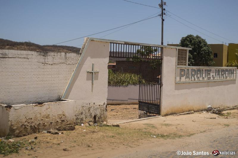 Cemitério Parque Jardim, em Solidão (Cemitério Novo)