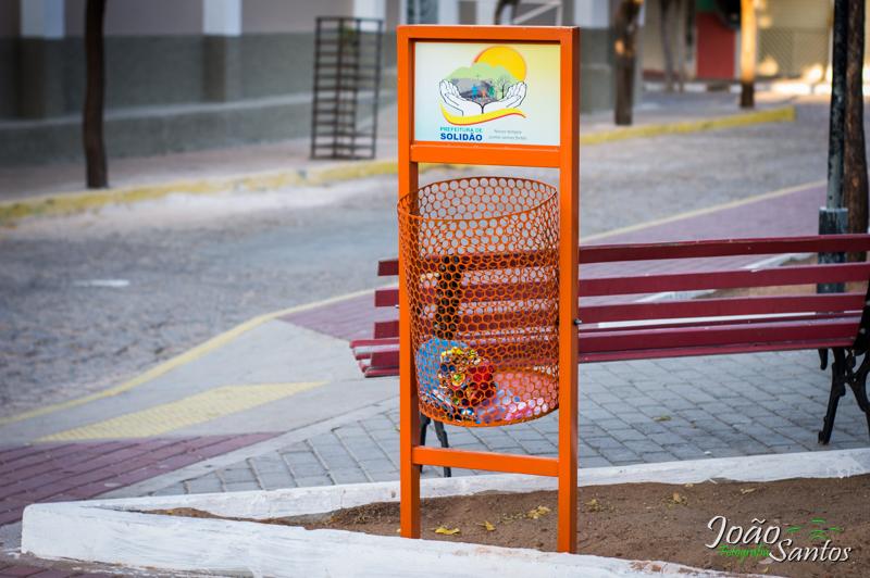 Diversos novas Lixeiras são implantadas em vários pontos da cidade – Foto: João Santos