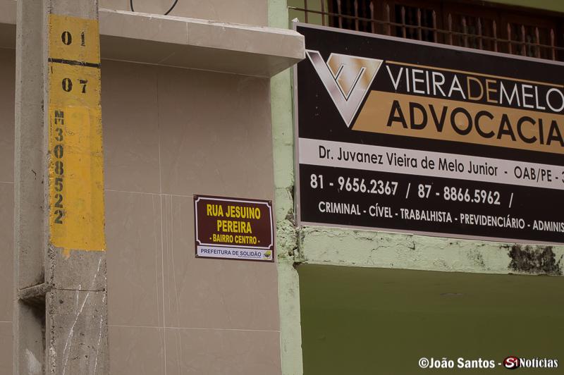 Placa nova na Rua Jesuíno Pereira em Solidão