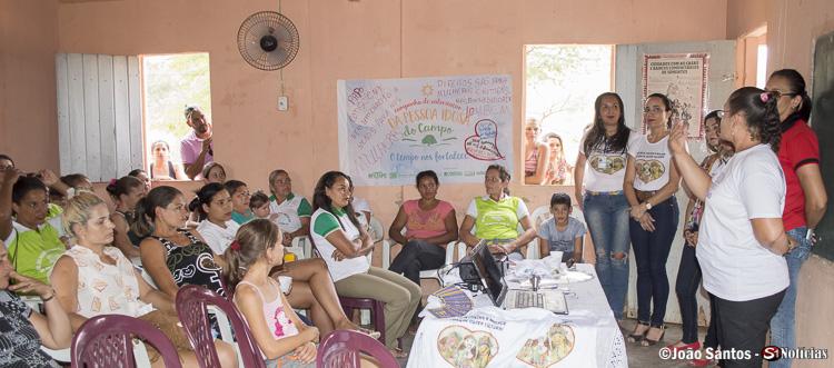 Encontro na Associação das Produtoras Rurais dos Barreiros debateu os diretos das mulheres