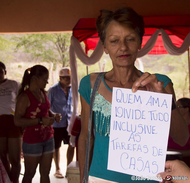 Associada com um dos cartazes com um dos principais temas abordados pela Associação dos Barreiros