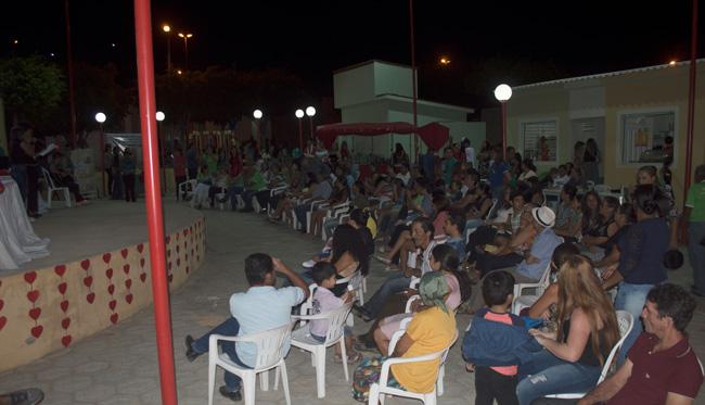 Público presente no 4º recital de poesia da EREM – Foto: João Santos