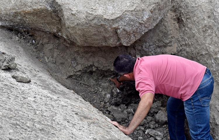 Os ossos foram descobertos pelo agricultor Paulo Eleutério