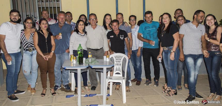Prefeito Djalma Alves junto a Secretários, familiares e amigos