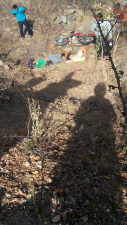 As vítimas foram encontradas já com os corpos com rigidez cadavérica – Imagem enviada pelo WhatsApp – Foto: Reprodução