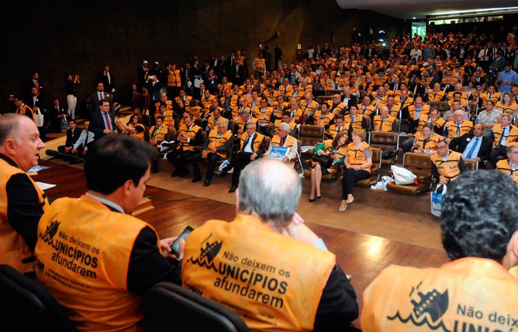 Cerca de mil prefeitos se concentrarem e manifestarem suas demandas de frente ao Congresso Nacional – Foto: Divulgação