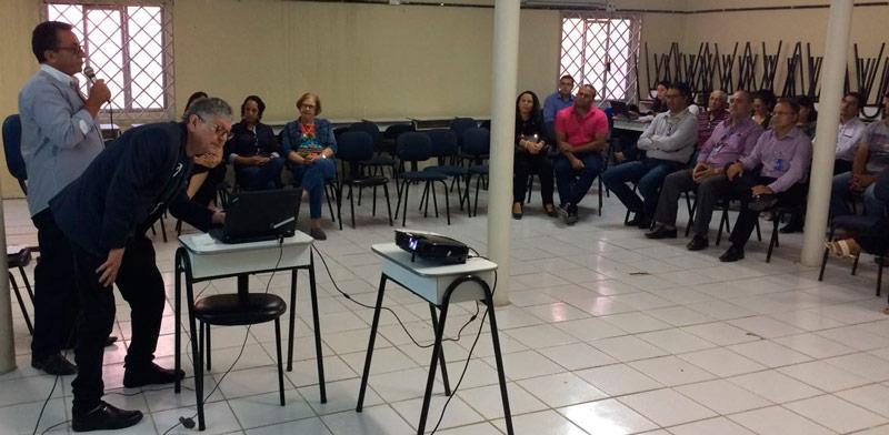 Prefeito Djalma Alves se pronunciando durante o 3º encontro do território vivo – Foto: Divulgação
