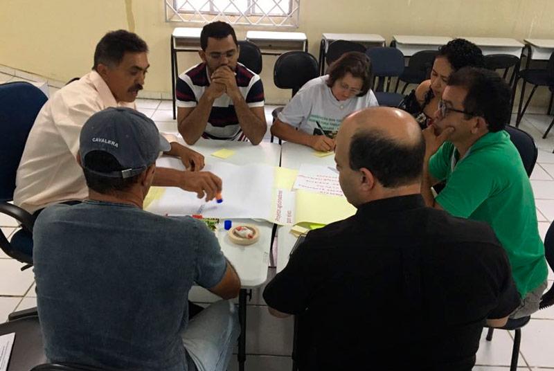 Secretários da Prefeitura de Solidão Mauricio Batista e Maria Aparecida no o 3º encontro do território vivo – Foto: Divulgação
