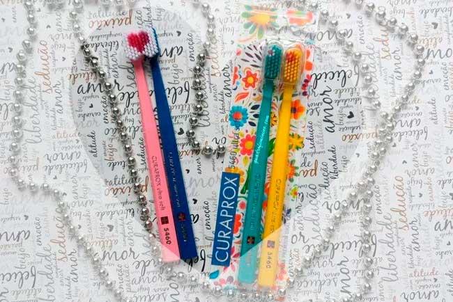 As escovas ultramacias são compostas por cerdas mais delicadas e numerosas – Reprodução