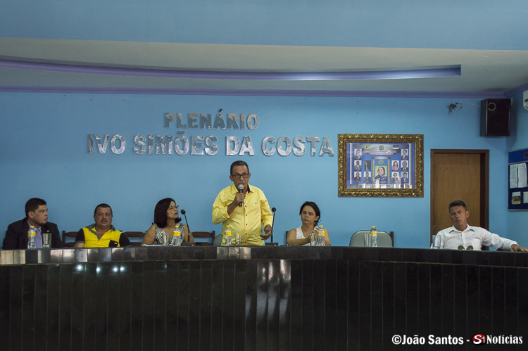 Prefeito Djalma Alves em suas últimas palavras ressaltou a importância do público na audiência e questionou a ausência da maioria dos vereadores
