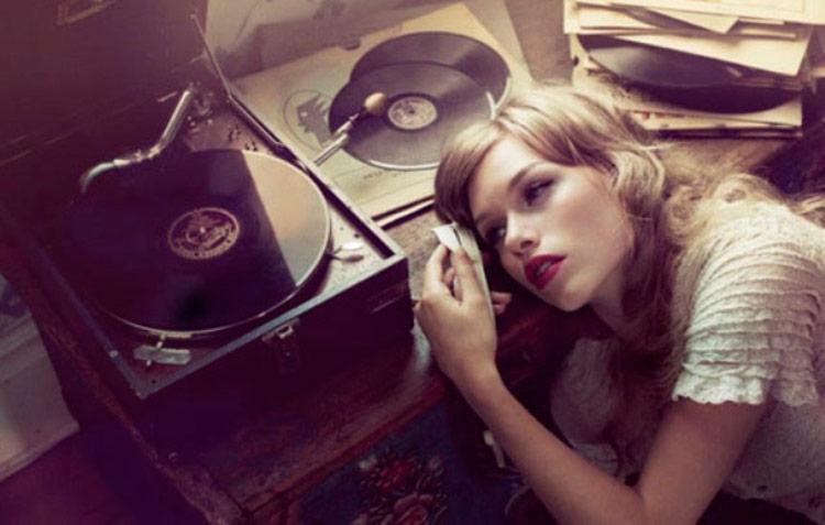 O fato da música ter sido banida da Hungria só aumentou o interesse das pessoas por ela – Foto: Reprodução
