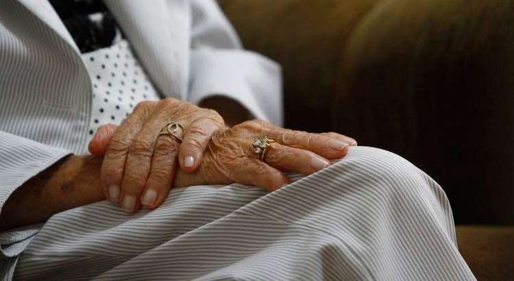 Toinha, como é conhecida, faz questão de comemorar o centenário com uma feijoada – Foto: Reprodução