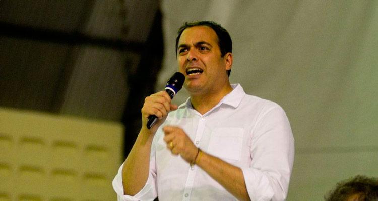Paulo Câmara discursa durante o PE em Ação- Foto: Anderson Stevens/Folha de Pernambuco