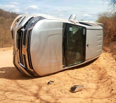 A S10 que Dr. Mirna dirigia após o acidente – Foto: Reprodução