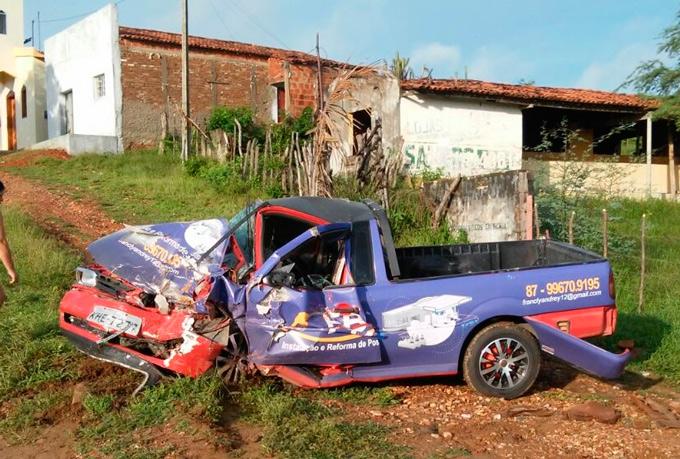 Veículos após o acidente - Foto: Reprodução