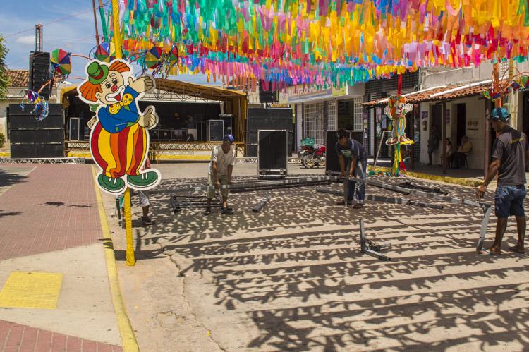Palco e som para o Solifolia começam a ser montados em Solidão – Foto: João Santos/ S1 Notícias