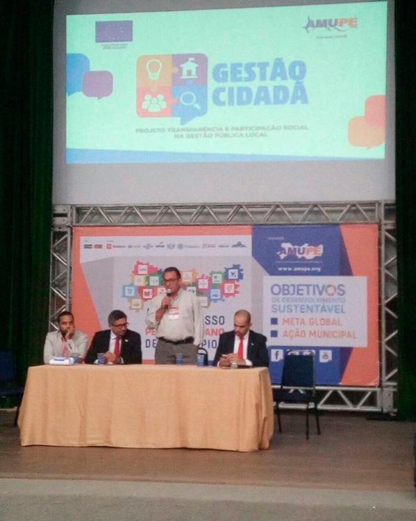 Prefeito Djalma Alves representando os prefeitos do Pajeú no 5 congresso da AMUPE – Foto: Reprodução