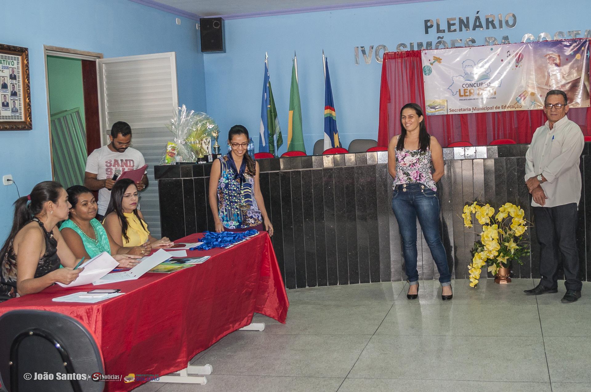 Aparecida Ramos Sec. Educação e Djalma Alves durante Curso Ler Bem fase municipal