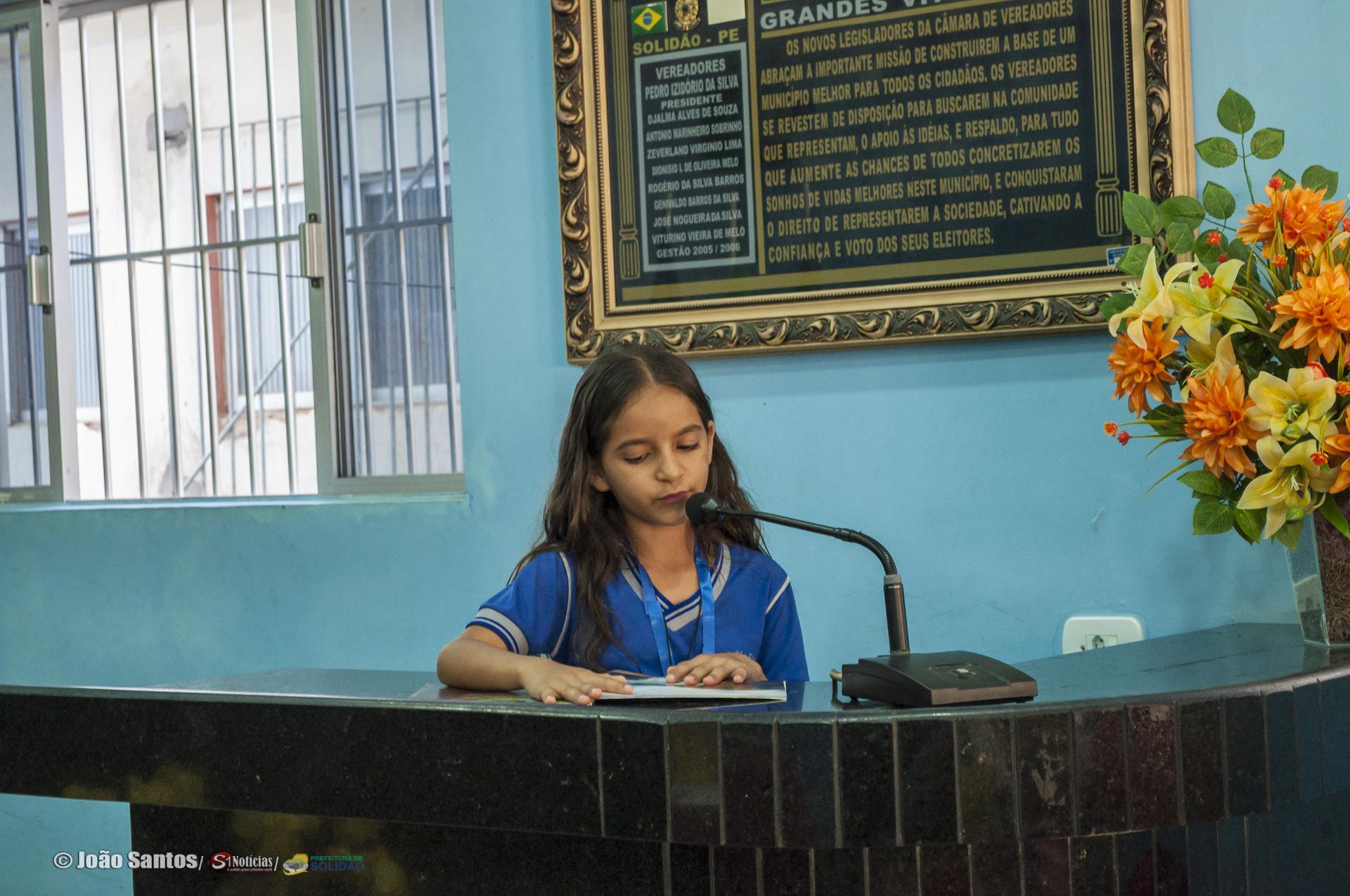 Maria Vitória Ramos vencedora doCurso Ler Bem fase municipal em Solidão