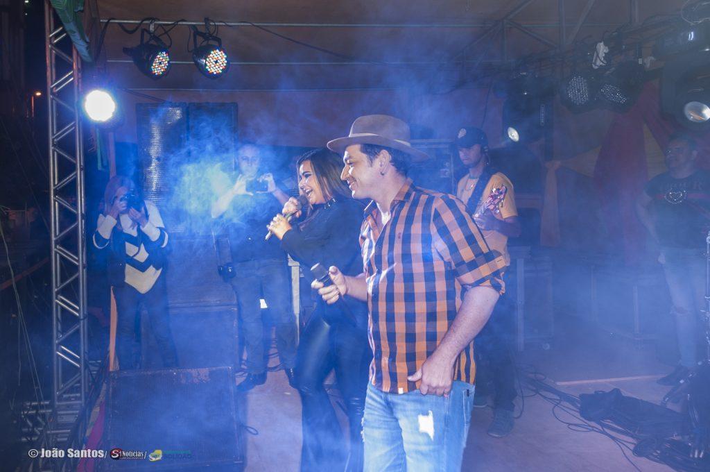 O Solijoão contou show da banda Forró Precateado - Mais foto na nossa página O Solijoão contou com show da banda Forró Precateado
