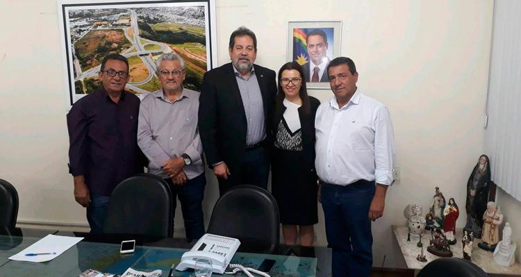Prefeito Djalma Alves junto aos gestores de Brejinho, Iguaracy, Ingazeira e Secretário de Transportes, Antonio Júnior – Foto: Reprodução