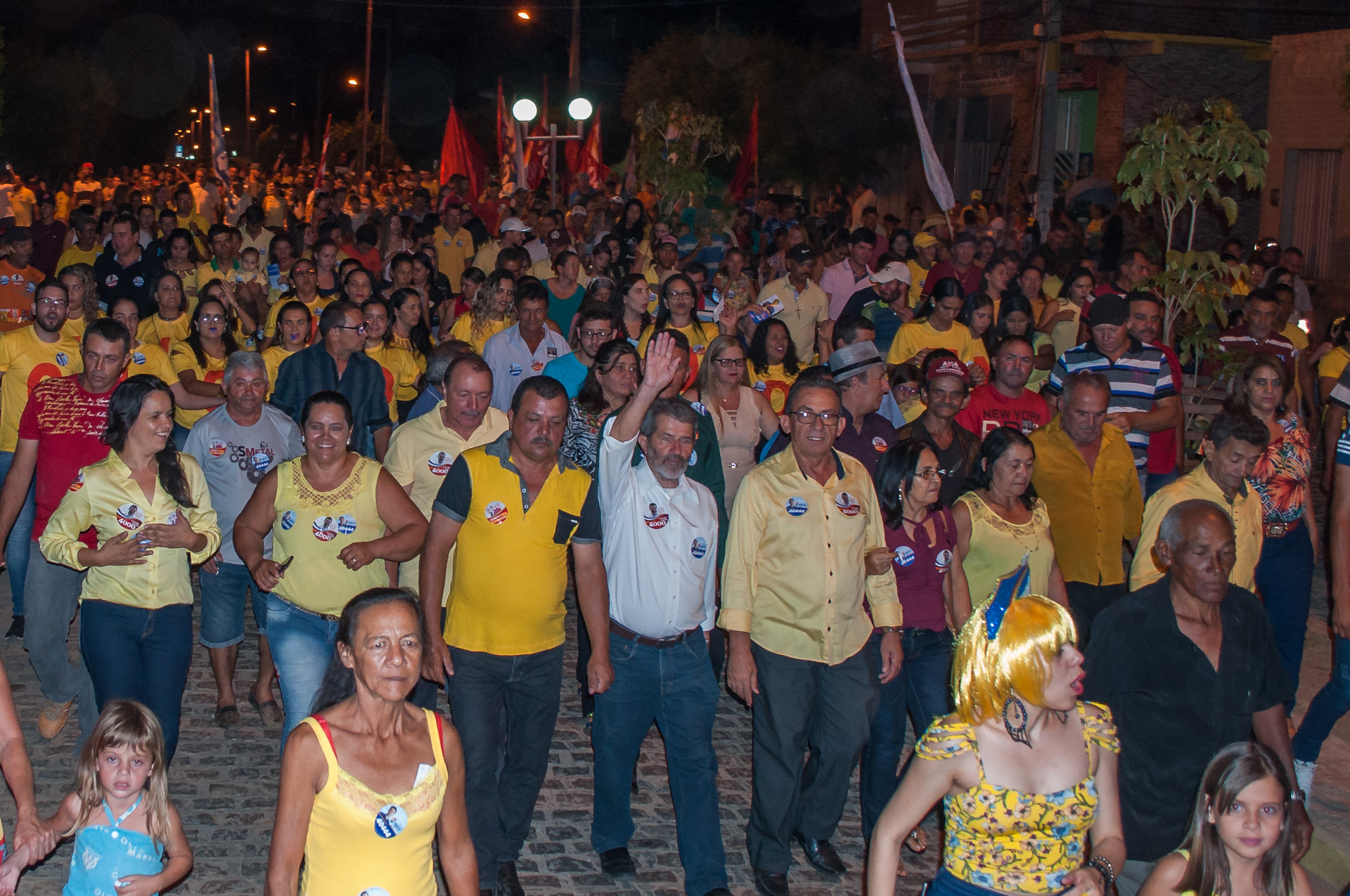 Comício em apoio a Clodoaldo Magalhães e Gonzaga Patriota em Solidão