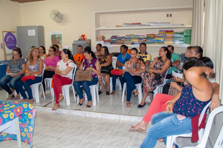 Reunião do UFPE no meu Quintal na secretaria de educação de Solidão
