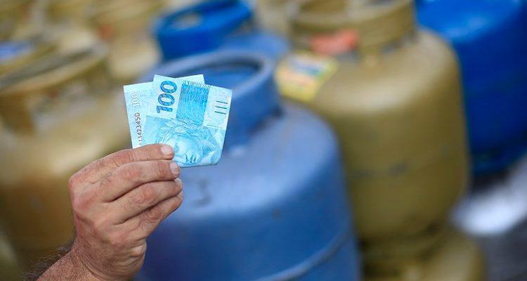 Preço do botijão de gás sobe 3 vezes mais do que a inflação