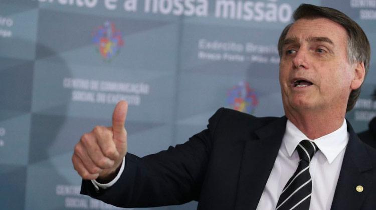 Prometida por Bolsonaro, dessalinização já dá água a milhares no Nordeste