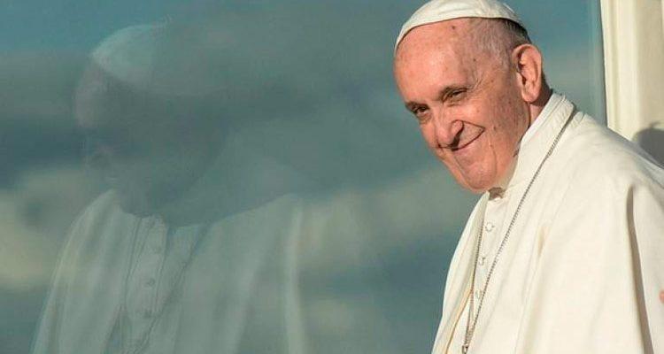 É jovem e tem tatuagens? O Papa tem uma pergunta para você
