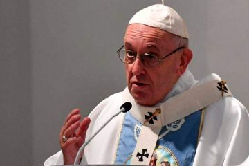 Papa Francisco pede solução 'justa e pacífica' para crise da Venezuela