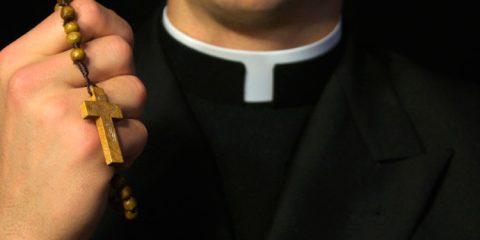 Governo recorrerá à Itália para evitar ataques de bispos
