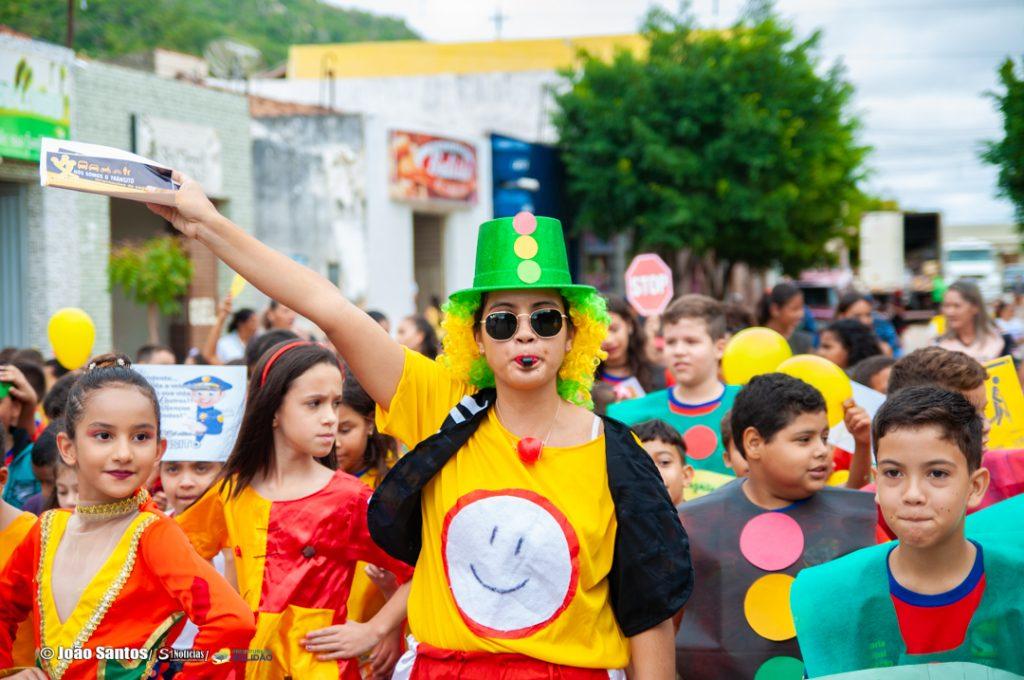 Caminhada da E.M.J.G.N em alusão ao Maio Amarelo em Solidão – Foto: João Santos/ Divulgação