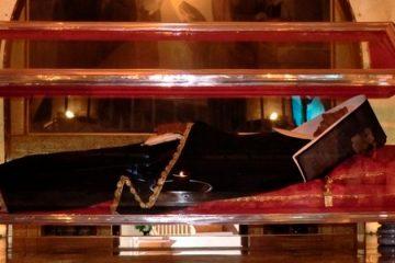 Após 562 anos de sua morte, corpo de Santa Rita de Cássia não se decompõe