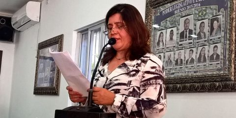 Ex-Prefeita Cida Oliveira na Câmara de Vereadores – Foto: Girleno Veras