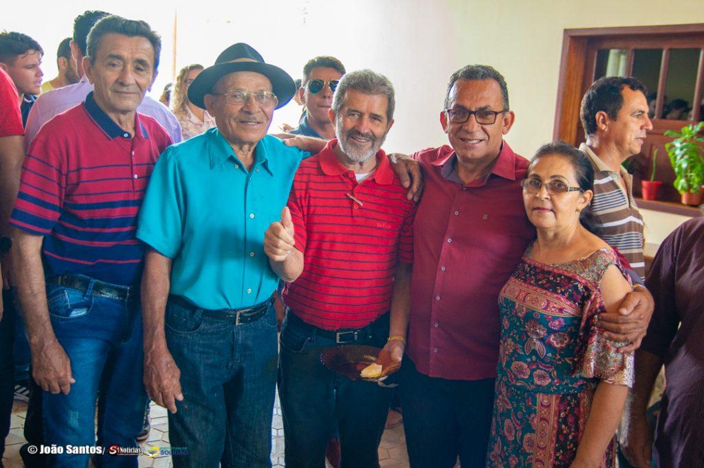 Deputado Gonzaga Patriota visita Solidão para agradecer orações ...
