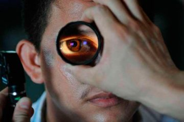 Coçar os olhos pode desencadear doença grave