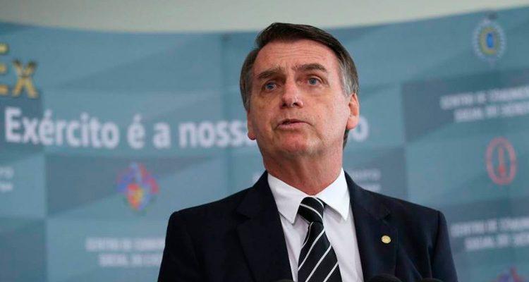 Quem acha pouco os R$ 500, é só não retirar o FGTS, diz Bolsonaro