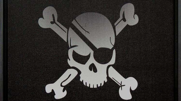 Você sabe por que os piratas usavam tapa-olhos?