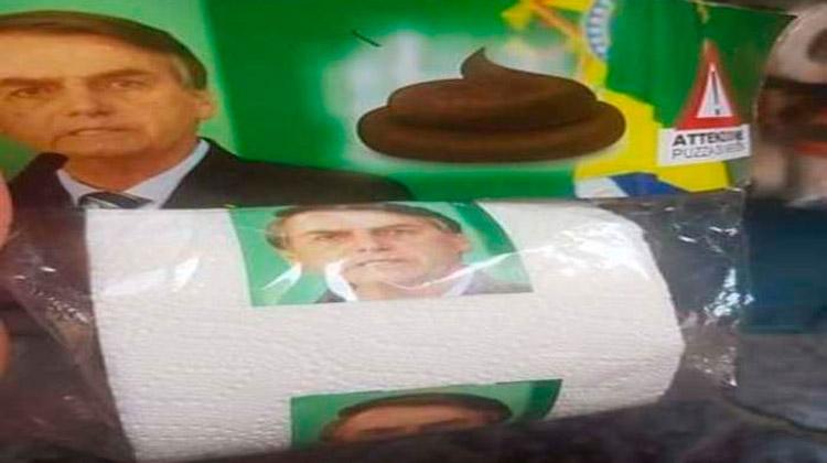 Foto de Bolsonaro estampa papel higiênico vendido na Itália