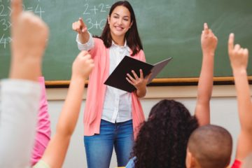 Governador propõe aumento no salário dos professores do estado