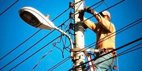 Corte de luz por falta de pagamento é proibido? Saiba a verdade