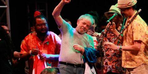 'A quadrilha nesse país foi montada por Moro, Dallagnol e Bolsonaro', diz Lula, em discurso no Recife