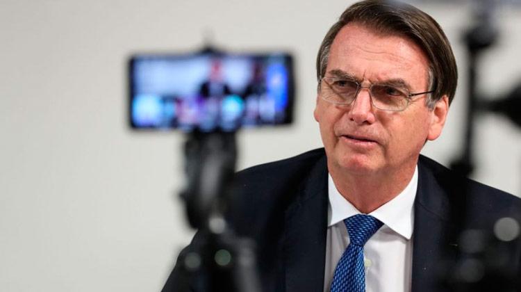 Durante live, Bolsonaro reafirma pagamento do 13º do Bolsa Família pelo governo federal