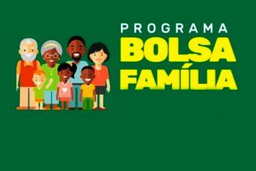 Projeto do 'novo Bolsa Família' é entregue a Bolsonaro