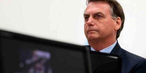 """Bolsonaro sobre morte de jovem por Covid-19: """"Uma pessoa não é estatística"""""""