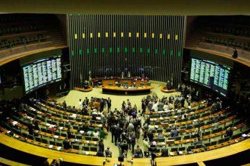 Coronavírus: Congresso analisa adiar eleições municipais