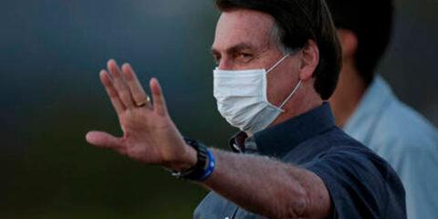 Bolsonaro testa positivo novamente para a Covid-19
