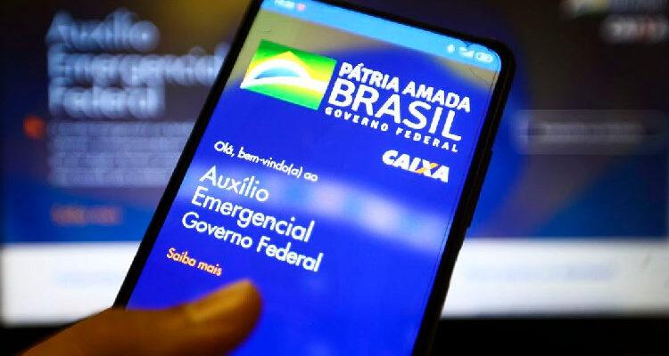 Caixa credita auxílio emergencial para nascidos em julho nesta quarta-feira (12)