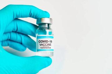 Vacina russa é forte e tem ação duradoura contra covid-19, diz estudo